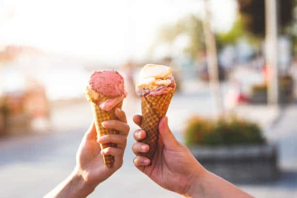 manger une glace chez ernest loisir que faire a la rochelle