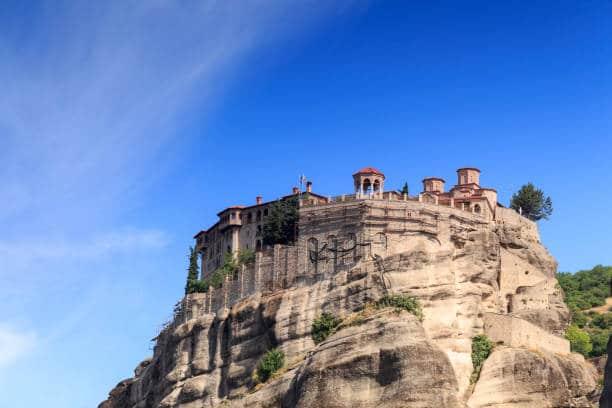 meteores grece monastere suspendu