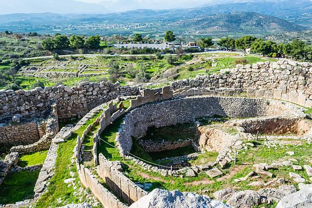 mycenes tombeaux anciens grece