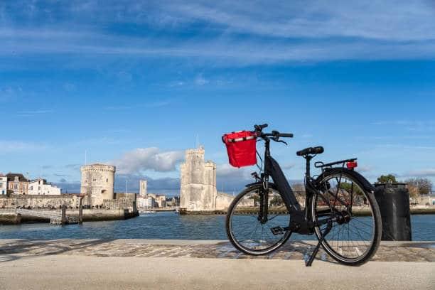 pistes cyclables la rochelle vélo découvrir la ville de la rochelle charente maritime à vélo