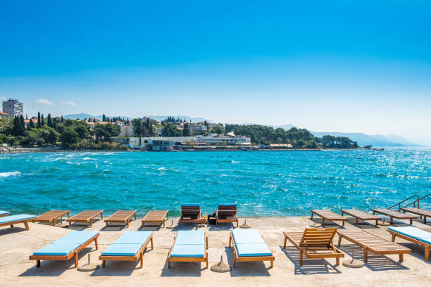 plage bacvice split sable croatie mer adriatique