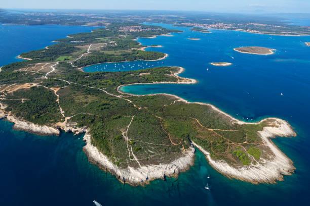 plage premantura parc national de kamenjak plage de sable croatie