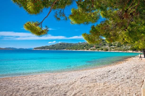 plage slanica ile de murter croatie plage de sable