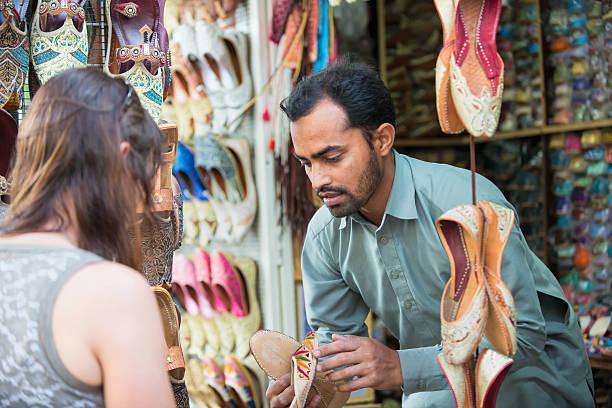 souk dubai karmana market marchander negocier emirats arabes unis