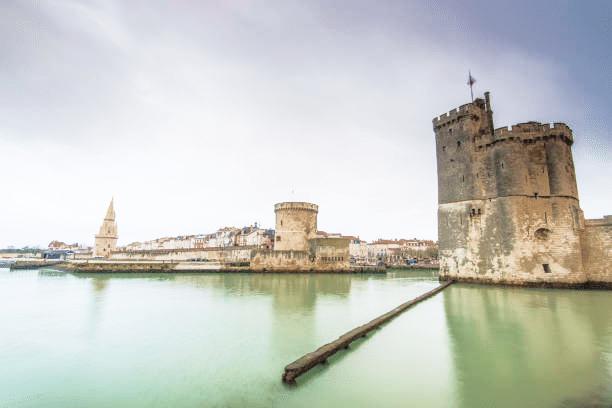 tours de la rochelle visite historique vacances a la mer